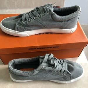 NWB Rocket Dog Grey Campo Sneakers Size 8
